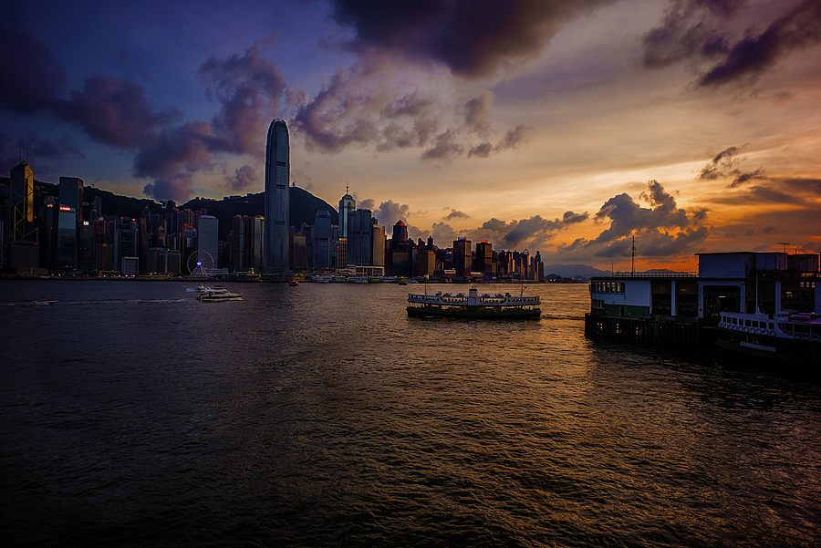 Star Ferry sunset | ZEISS ZM BIOGON T* F2.8 21MM <br> Click image for more details, Click <b>X</b> on top right of image to close