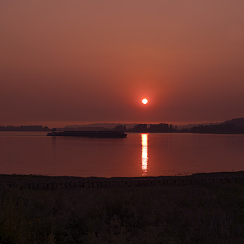 Forest fire sunset 2017 Columbia River | SUMMILUX-M 1:1.4/50 ASPH. <br> Click image for more details, Click <b>X</b> on top right of image to close