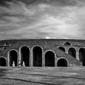 Pompeii Coliseum | LEICA 28MM SUMMILUX F1.7 AF <br> Click image for more details, Click <b>X</b> on top right of image to close
