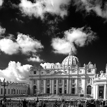 St. Peters Basilica | LEICA 28MM SUMMILUX F1.7 AF <br> Click image for more details, Click <b>X</b> on top right of image to close