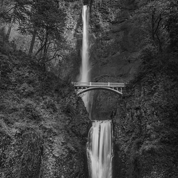 Multnomah Falls | LEICA SUMMICRON 35MM F2 ASPH <br> Click image for more details, Click <b>X</b> on top right of image to close