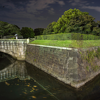 Moat and rock wall | ZEISS ZM BIOGON T* F2.8 21MM <br> Click image for more details, Click <b>X</b> on top right of image to close