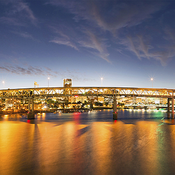 Marquam Bridge Portland | ZEISS ZM BIOGON T* F2.8 21MM <br> Click image for more details, Click <b>X</b> on top right of image to close
