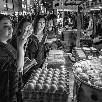 Street food craze | LEICA 28MM SUMMILUX F1.7 AF <br> Click image for more details, Click <b>X</b> on top right of image to close