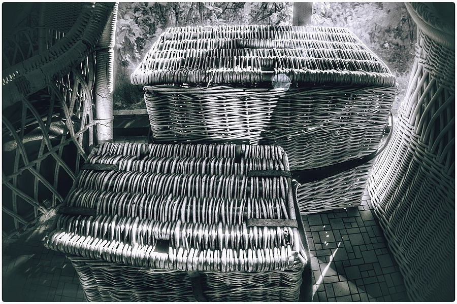Baskets | LEICA 16MM F/2.8 FISHEYE ELMARIT 1970 <br> Click image for more details, Click <b>X</b> on top right of image to close