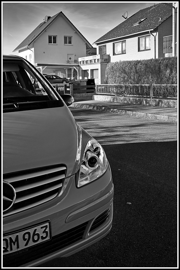 Parking | LEICA ELMARIT 28MM F2.8 ASPH <br> Click image for more details, Click <b>X</b> on top right of image to close
