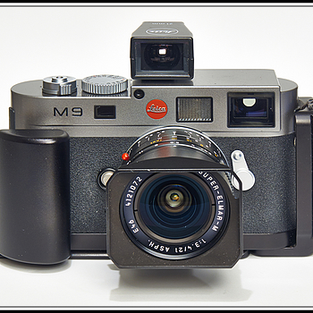 DSC0478    Leica M9 with RRS L-grip | LENS MODEL NOT SET <br> Click image for more details, Click <b>X</b> on top right of image to close