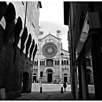 Modena - Italy | DG VARIO-ELMARIT 25-125MM F2.8-5.9 <br> Click image for more details, Click <b>X</b> on top right of image to close