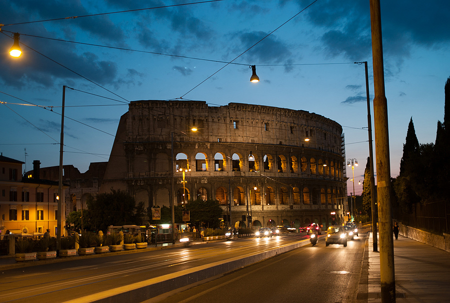 Colosseo | ZEISS ZM BIOGON T* F2.0 35MM <br> Click image for more details, Click <b>X</b> on top right of image to close