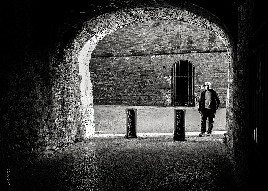 Lucca | LEICA SUMMICRON 35MM F2 <br> Click image for more details, Click <b>X</b> on top right of image to close