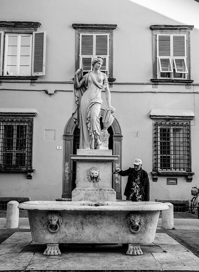 Lucca | LEICA SUMMICRON 35MM F2. <br> Click image for more details, Click <b>X</b> on top right of image to close
