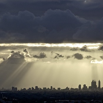 Perth sun rays | LEICA 180MM F/2.8 ELMARIT 2ND VERSION <br> Click image for more details, Click <b>X</b> on top right of image to close