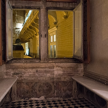Vatican Alcove | LENS MODEL NOT SET <br> Click image for more details, Click <b>X</b> on top right of image to close