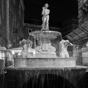 Fountain, Catania, Italy | LENS MODEL NOT SET <br> Click image for more details, Click <b>X</b> on top right of image to close