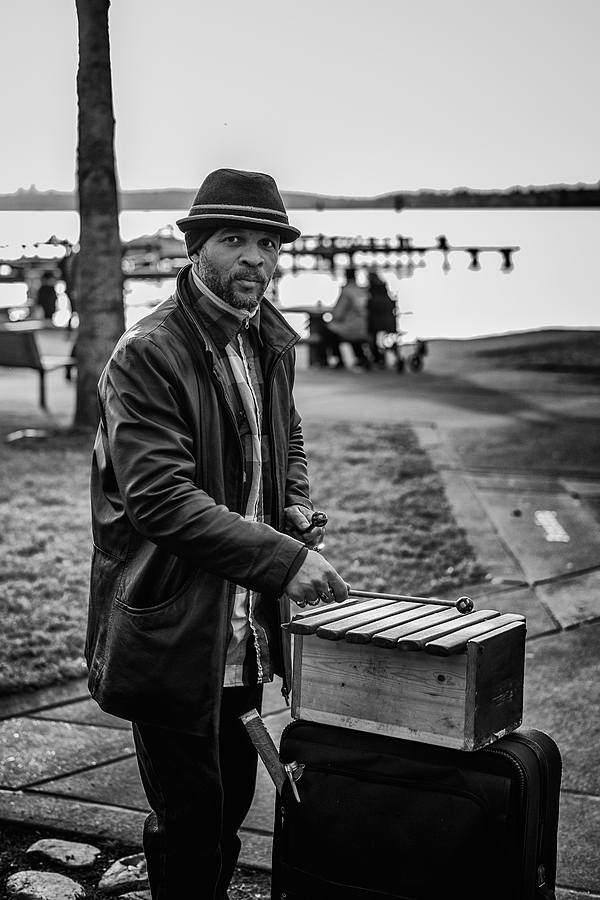 beach-side busker | SUMMILUX-M 1:1.4/50 ASPH <br> Click image for more details, Click <b>X</b> on top right of image to close