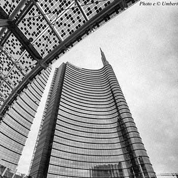 Milano Porta Nuova - 2 | CV 15MM / F 4.5 SUPER WIDE HELIAR <br> Click image for more details, Click <b>X</b> on top right of image to close