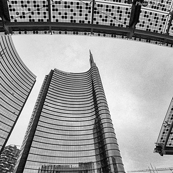 Milano Porta Nuova - 3 | CV 15MM / F 4.5 SUPER WIDE HELIAR <br> Click image for more details, Click <b>X</b> on top right of image to close