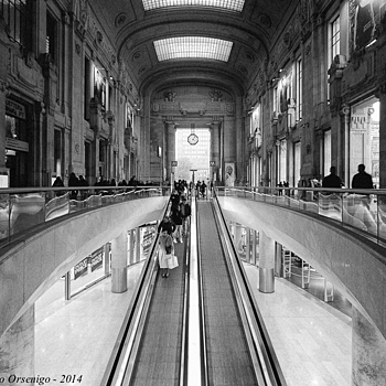 Milano Stazione Centrale | CV 15MM / F 4.5 SUPER WIDE HELIAR <br> Click image for more details, Click <b>X</b> on top right of image to close