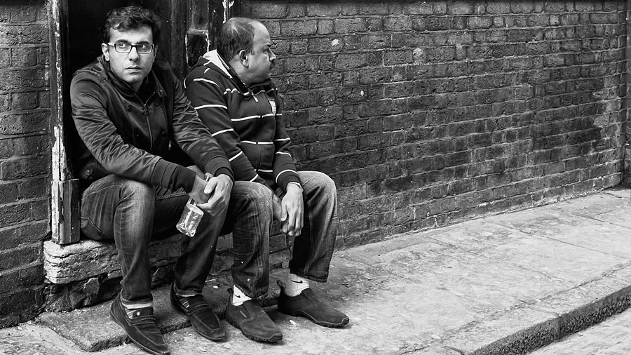Just Two Guys | LEICA 35MM F/2.0 SUMMICRON 2ND VERSION 1976 <br> Click image for more details, Click <b>X</b> on top right of image to close