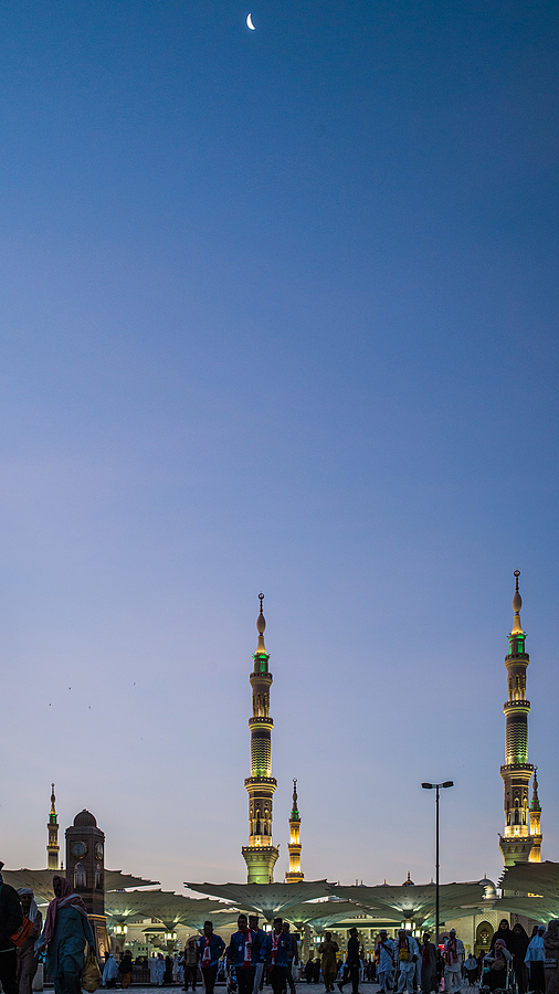 Madinah moon | LEICA SUMMILUX 35MM F1.4 ASPH <br> Click image for more details, Click <b>X</b> on top right of image to close
