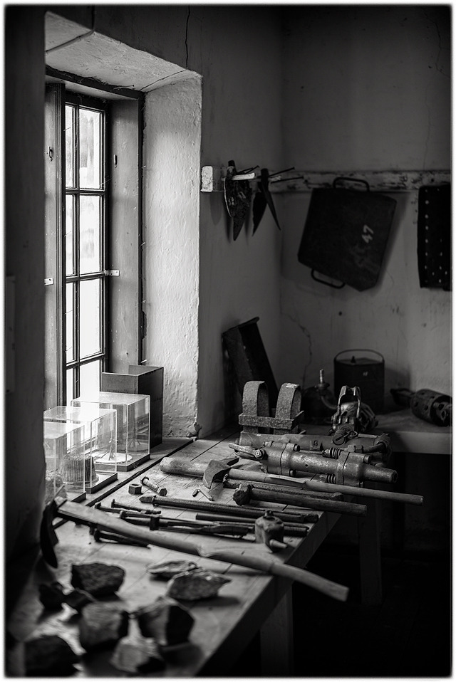 Light from a window in the workshop. | SUMMILUX-M 1:1.4/50 ASPH <br> Click image for more details, Click <b>X</b> on top right of image to close