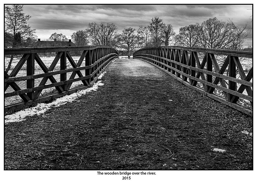 The wooden bridge over the river. | SUMMILUX-M 1:1.4/50 ASPH <br> Click image for more details, Click <b>X</b> on top right of image to close