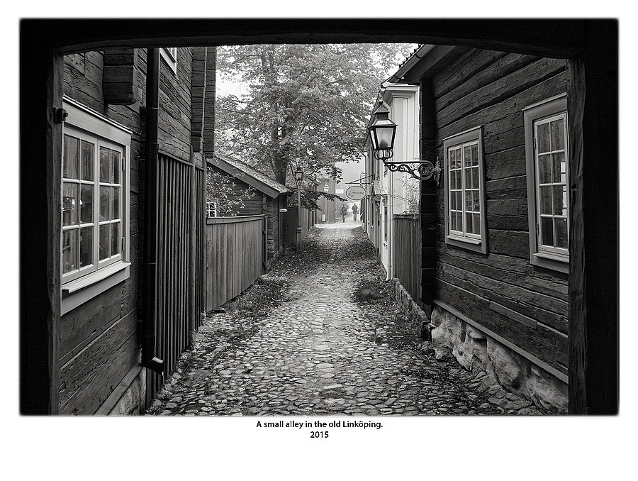 A small alley in the old Linköping. | LEICA ELMARIT 28MM F2.8 ASPH <br> Click image for more details, Click <b>X</b> on top right of image to close