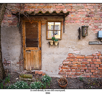 A cool detail, in an old courtyard. | LEICA ELMAR 24MM F3.8 ASPH