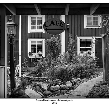 Cafe | LEICA SUMMICRON 35MM F2 ASPH