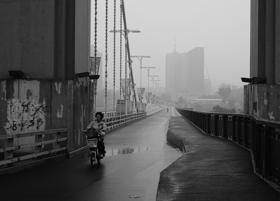 Bridge In Rainy Beijing | LEICA SUMMILUX 50MM F/1.4 PRE ASPH (E43) <br> Click image for more details, Click <b>X</b> on top right of image to close