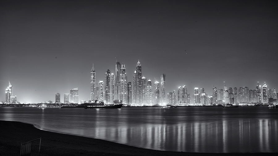 Dubai Marina | LEICA SUMMILUX 35MM F1.4 ASPH <br> Click image for more details, Click <b>X</b> on top right of image to close
