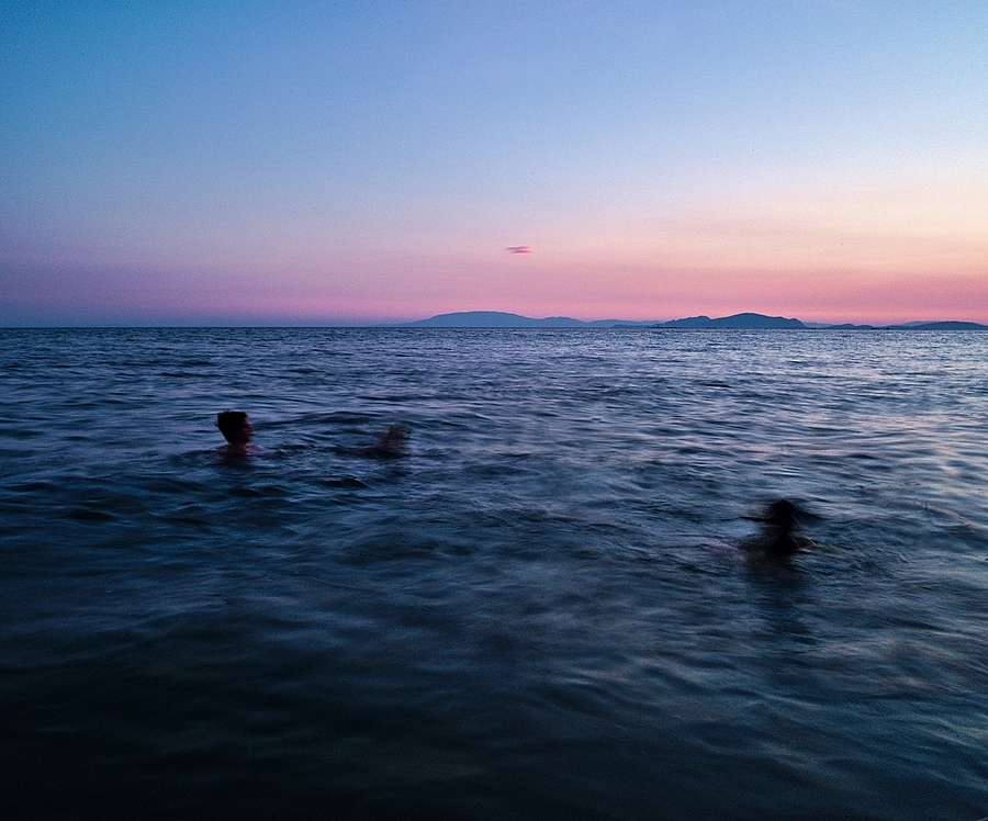 The last swim, Messolonghi | LEICA 21MM SUPER-ELMAR-M F/ 3.4 ASPH LENS <br> Click image for more details, Click <b>X</b> on top right of image to close