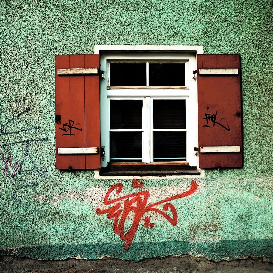 Old Window and grafitti | LEICA 21MM SUPER-ELMAR-M F/ 3.4 ASPH LENS <br> Click image for more details, Click <b>X</b> on top right of image to close
