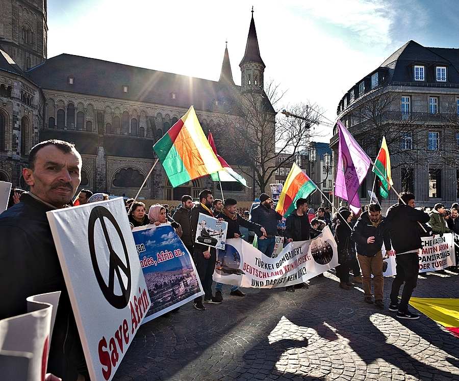 Save Afrin, protest in Bonn | LEICA 21MM SUPER-ELMAR-M F/ 3.4 ASPH LENS <br> Click image for more details, Click <b>X</b> on top right of image to close