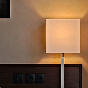 Desk Lamp | APO-SUMMICRON-M 75MM F/2 ASPH <br> Click image for more details, Click <b>X</b> on top right of image to close