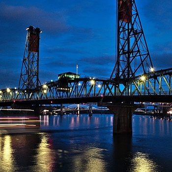Hawthorn Bridge, Portland, OR | LEICA SUMMICRON 28MM F2 ASPH