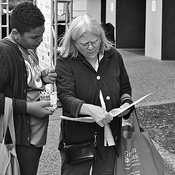 Finding directions the old fashioned way | LEICA SUMMICRON 50MM F2 <br> Click image for more details, Click <b>X</b> on top right of image to close