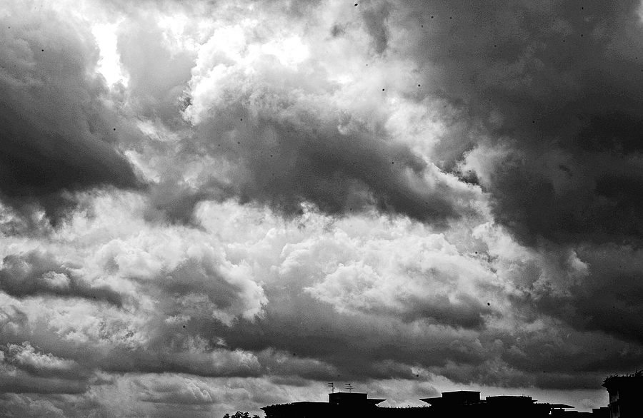 leicaimages.com gallery | Storm looming | Leica SUMMICRON 35mm f2. | M9