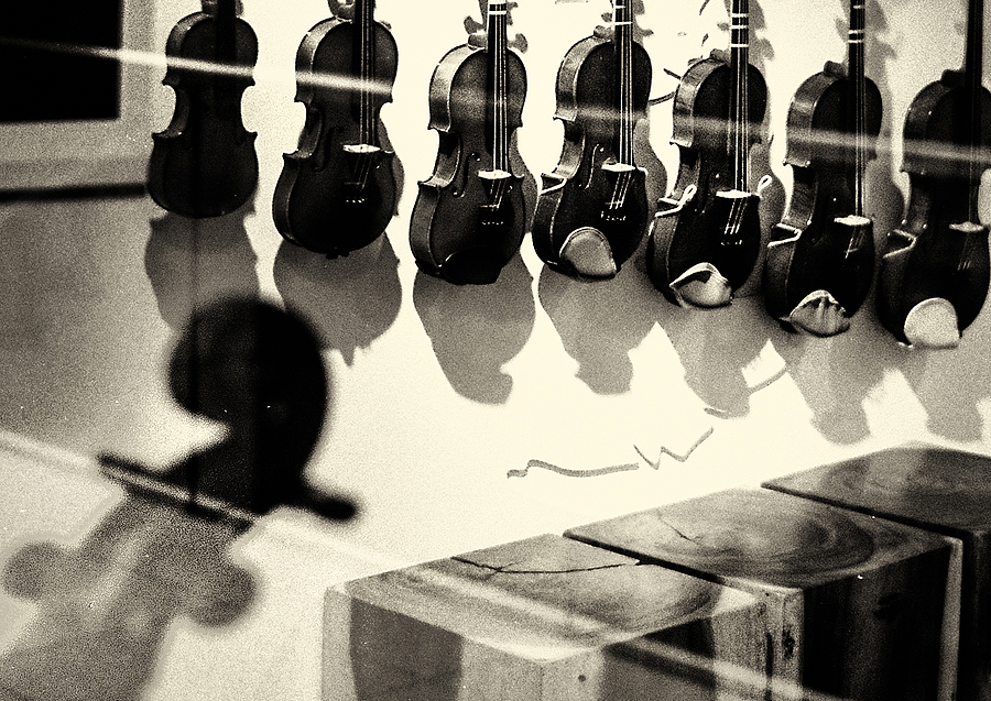 leicaimages.com gallery | A music school | Leica ELMARIT 28mm f2.8 | M6
