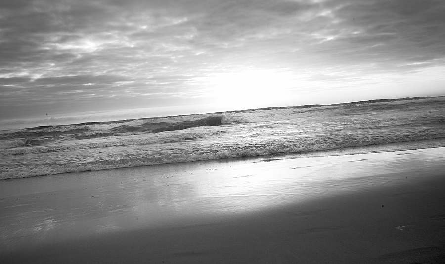 leicaimages.com gallery | Evening tide rolling in | Leica SUMMILUX 35mm f1.4 | LEICA M (Typ 240)