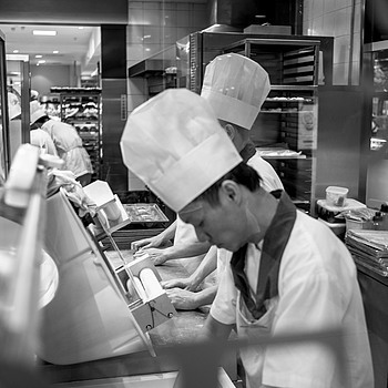 Bakers at work | LEICA 35MM F1.4 SUMMILUX
