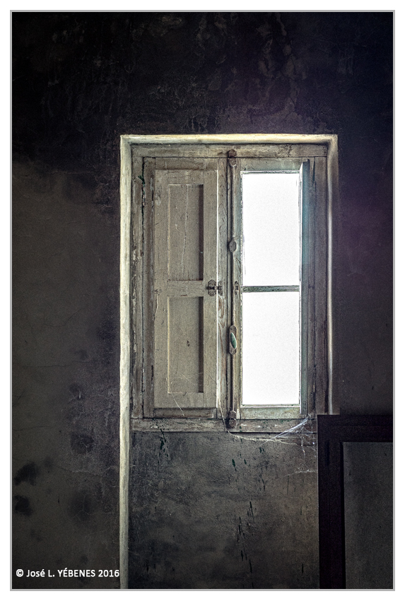 The window | ZEISS ZM C-BIOGON F2.8 35MM <br> Click image for more details, Click <b>X</b> on top right of image to close