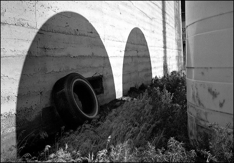 Arcs | LEICA SUMMICRON 35MM F2 1ST VERSION <br> Click image for more details, Click <b>X</b> on top right of image to close