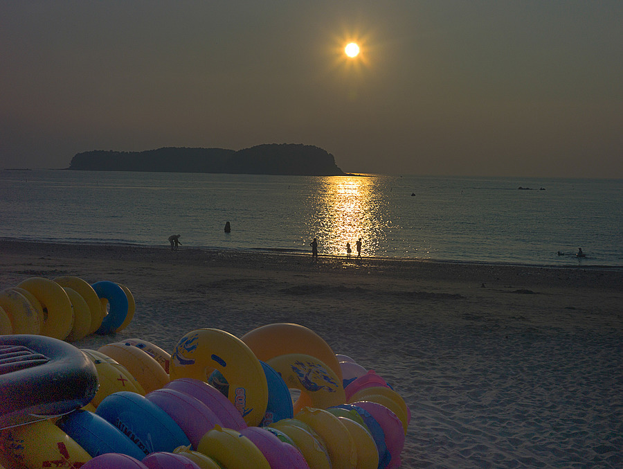Muchangpo Beach In Boryeong | ZEISS ZM C-BIOGON F2.8 35MM <br> Click image for more details, Click <b>X</b> on top right of image to close