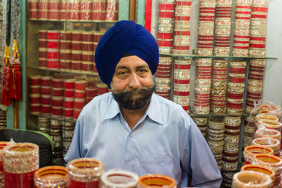 Punjabi Bangle Dealer In Amritsar | VOIGTLANDER 35MM / F 2.5 COLOR SKOPAR CLASSIC <br> Click image for more details, Click <b>X</b> on top right of image to close